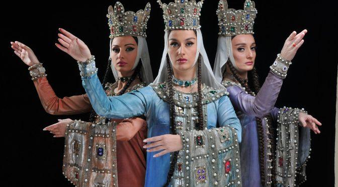 Poprawmy korony, świętujmy kobiecość